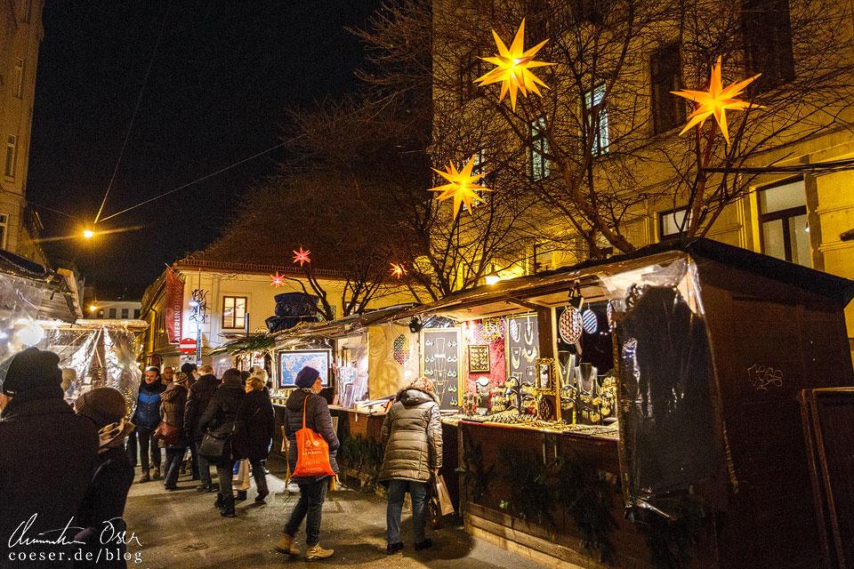 Stimmungsvolle Beleuchtung am Spittelberger Adventmarkt