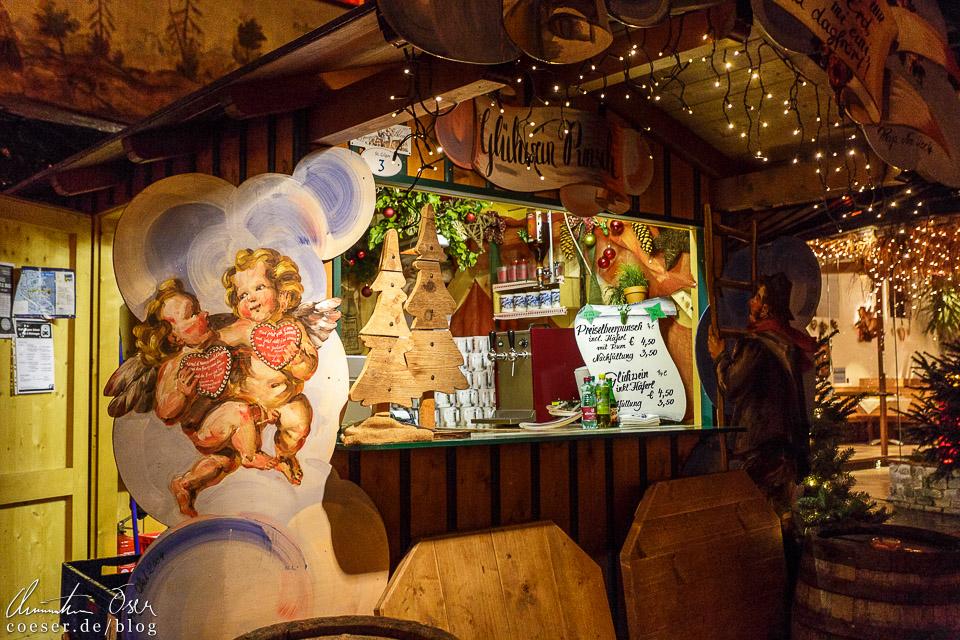 Viele der Stände in St. Gilgen sind mit barocken Kunstwerken der Künstlerin Raja Schwahn Reichmann geschmückt