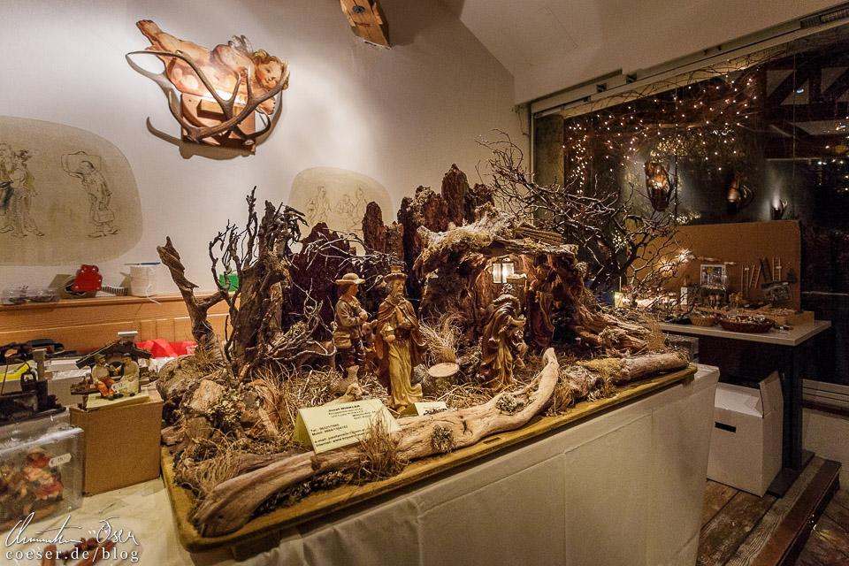 Wie in Strobl gibt es auch in St. Gilgen von Hand gefertigte, mit liebevollen Details versehene Krippen zu bewundern
