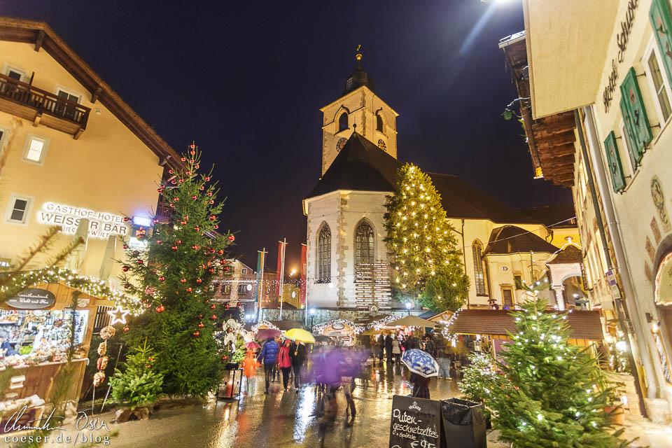 Weihnachtsromantik pur vor der Pfarrkirche St. Wolfgang