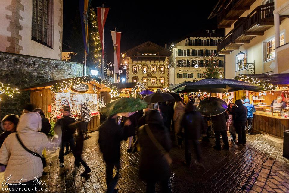 Über 60 Stände bieten Essen, Trinken sowie Kunsthandwerk