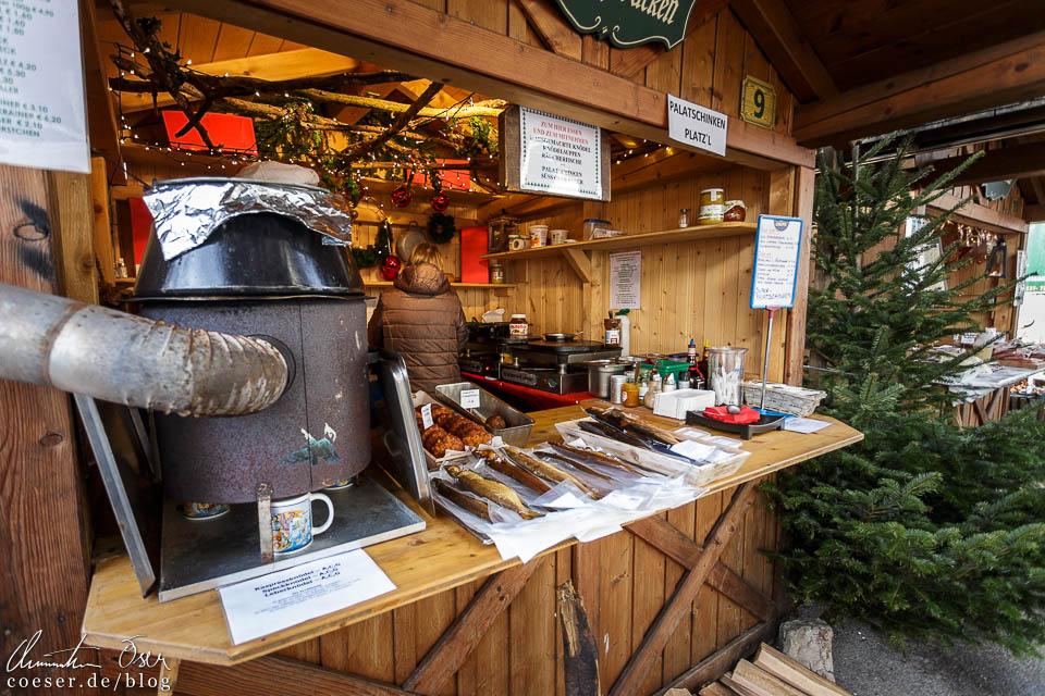 Stand Nummer 9 in der Ischlerstraße punktet mit heißer Suppe und Knödeleinlage
