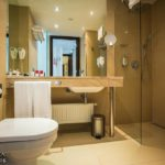 Bad im Executive Doppelzimmer im Austria Trend Hotels in Bratislava