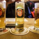 Drei Gläser Reissdorf Kölsch während des Kölner Karnevals