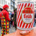 Ein Fass Früh Kölsch während des Kölner Karnevals