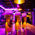 Drei Gläser Sion Kölsch während des Kölner Karnevals
