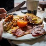 Britisches Frühstück im Café MCR Coffee Co.