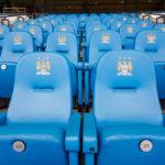 Nahaufnahme von Sitzen im Etihad Stadium