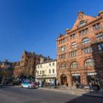 Typische rote Backsteinbauten in Manchester