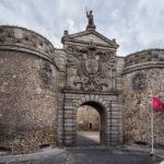 Das landseitige Tor Puerta Nueva de Bisagra