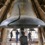 Die große Glocke mit Riss in der Catedral Primada (Kathedrale von Toledo)