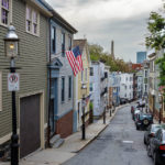 Blick auf die Pleasant Street nahe des Bunker Hill Monuments