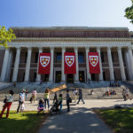 Die Harry Elkins Widener Memorial Library auf dem Campus der Harvard University