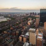 Blick vom Prudential Tower auf die Viertel Back Bay und Beacon Hill sowie auf den John Hancock Tower