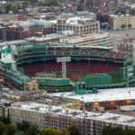 Blick vom Prudential Tower auf den Fenway Park, Heimstadion des Baseballteams Boston Red Sox
