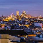 Blick auf das Madrider Banken- und Hochhausviertel AZCA von der Terrasse des Círculo de Bellas Artes