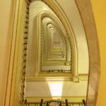 Art-Deco-Treppenhaus im Círculo de Bellas Artes in Madrid