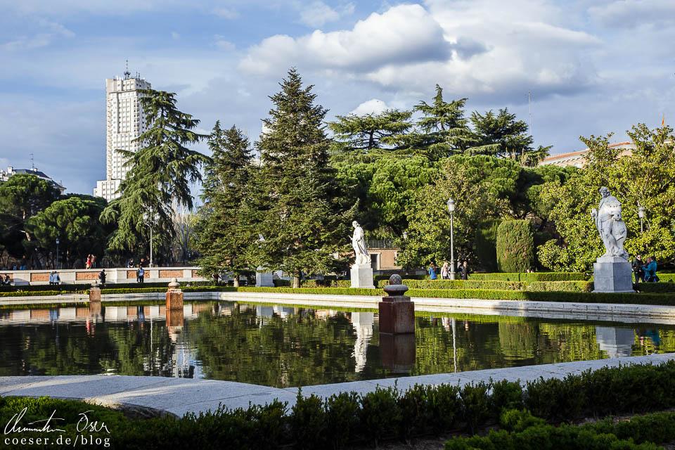 Madrid zwischen architektur tapas und fu ball for Jardines de sabatini conciertos 2017