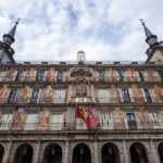 "Das Gebäude Casa de la Panadería (""Haus der Bäckerei"") auf dem Hauptplatz (Plaza Mayor) von Madrid"