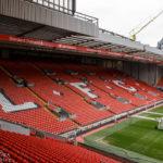 """Blick auf die Tribüne """"The Kop"""" im Stadion Anfield des FC Liverpool"""