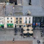 Blick auf das Straßentreiben in Liverpool vom Fernsehturm St. John's Beacon aus gesehen