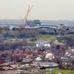 Blick auf das Stadion Anfield des FC Liverpool vom Fernsehturm St. John's Beacon aus gesehen