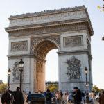 Der Arc de Triomphe de l'Étoile (Triumphbogen)