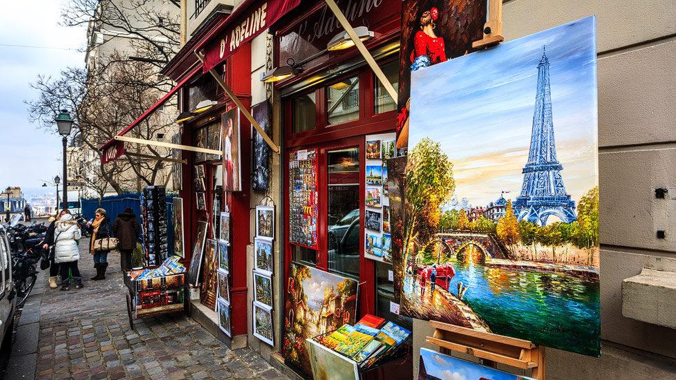 Ein Künstlerladen im Pariser Viertel Montmartre