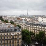 Blick von der Aussichtsterrasse des Kaufhauses Printemps Haussmann in Richtung Eiffelturm
