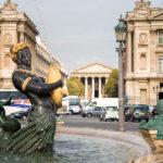 Detailansicht des Brunnens auf dem Place de la Concorde