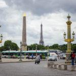 Der Obelisk auf dem Place de la Concorde, im Hintergrund der Eiffelturm