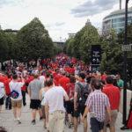 Fans auf dem Weg zum Stadion Stade de France vor dem Euro-2016-Spiel Österreich – Island
