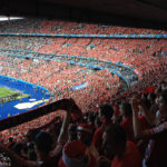 Österreichische Fans im Stadion Stade de France während des Euro-2016-Spiels Österreich – Island
