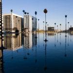 Die Kunstinstallation Bassin Takis im Hochhausviertel La Défense