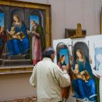 Die Gemälde im Louvre locken auch Künstler an