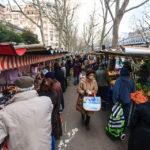 Passanten auf dem Marché de Grenelle