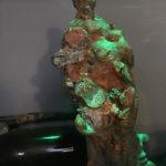Eine aus dem Tiefen Brunnen geborgene Madonna-Statue