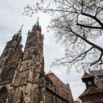 Außenansicht der Lorenzkirche in Nürnberg