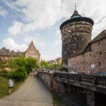 Die Nürnberger Stadtmauer (Spittlertorturm) in der Altstadt