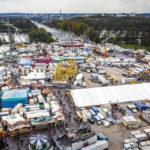Blick vom Riesenrad auf das Festgelände des Nürnberger Volksfest