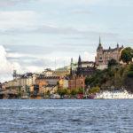 Fantastische Blicke auf Stockholm (hier der Stadtteil Södermalm) vom Schiff aus gesehen