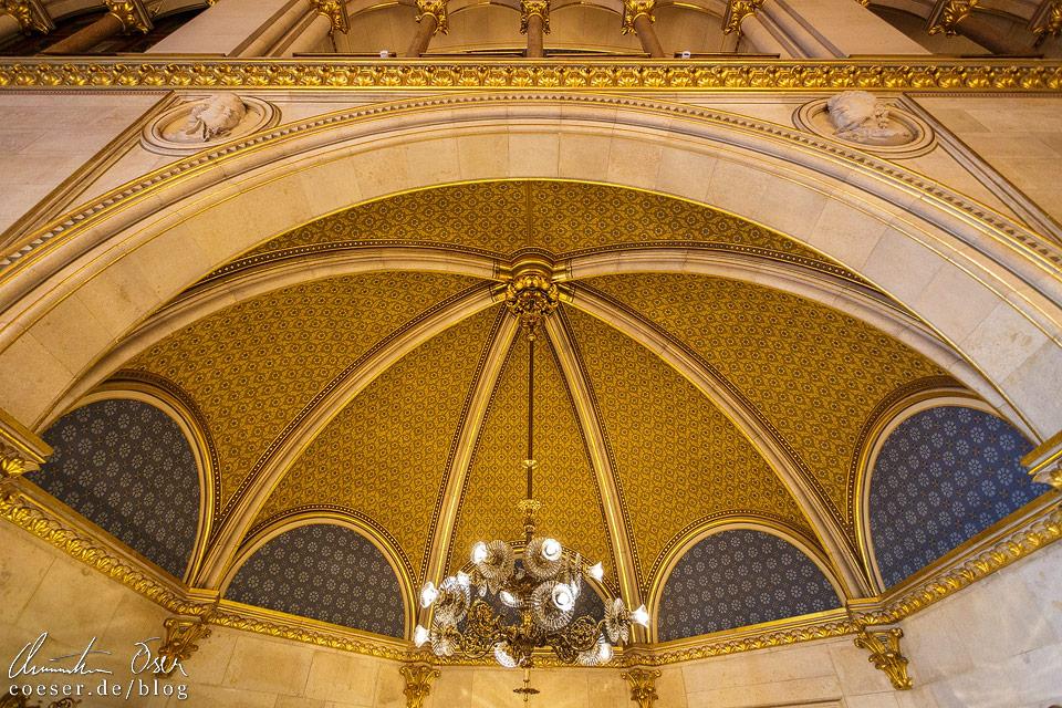 Detailansicht des Festsaals im Wiener Rathaus