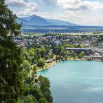 Blick auf die Ortschaft Bled von der Terrasse der Bleder Burg