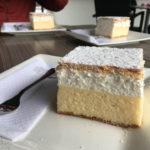 Die Original Bleder Cremeschnitte im Café des Hotel Park