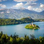 Blick auf den Bleder See vom Wanderweg zum Aussichtspunkt Mala Osojnica