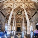 Säulenhalle in der Seidenbörse (Lonja de la Seda)