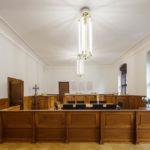 Der nahezu vollständig erhaltene Sitzungssaal 216 im Justizpalast München