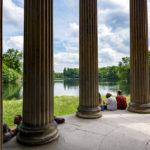 Am Apollotempel im Schlosspark Nymphenburg lässt es sich herrlich entspannen