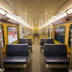 Innenansicht einer alten U-Bahn-Garnitur in München