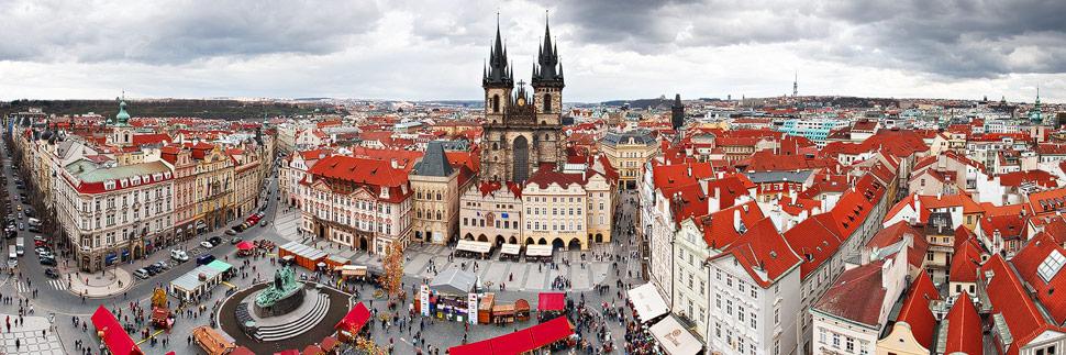 Blick auf den Altstädter Ring in Prag